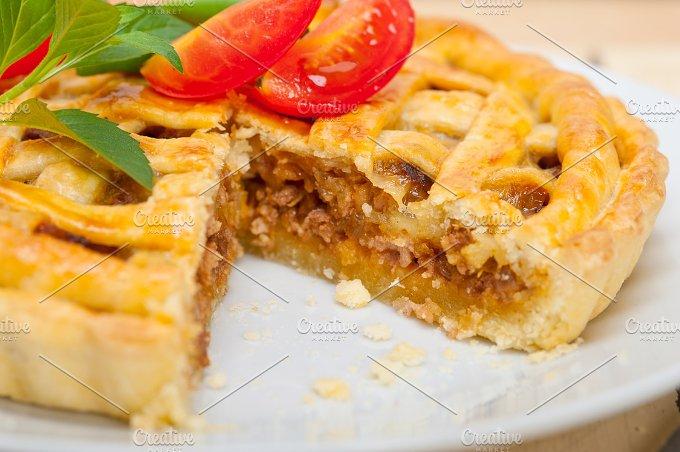 beef pie tart 041.jpg - Food & Drink
