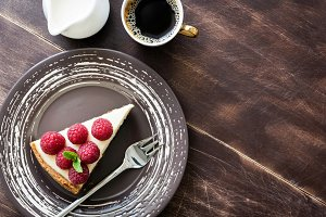 Top view cheesecake with raspberries