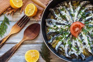 Anchovies with garlic
