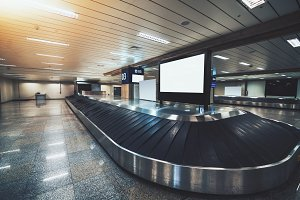 Conveyor belt for luggage, airport