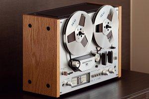 Vintage Open Reel-to-Reel Tape Deck