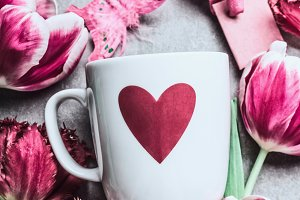 Mug with heart and pink tulips