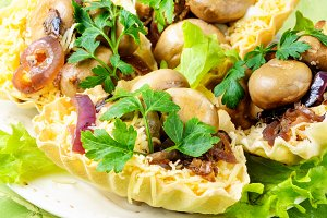 Tartlet with mushrooms