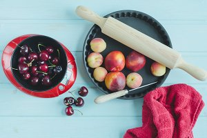 Fruits and kitchenware.