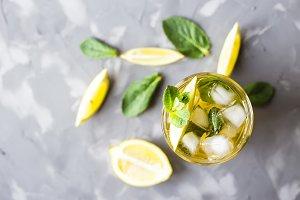 Ice tea with mint and lemon
