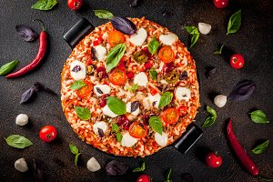 Italian pizza with ingredients