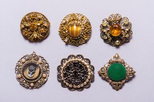 Set of vintage brooches