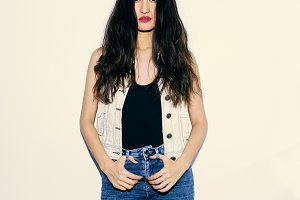 Brunette Model in fashion jeans outf