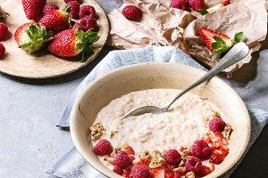 Rice porrige with berries