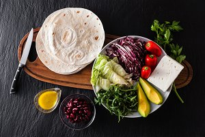 Tortillas flat and various vegetable
