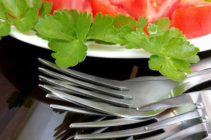 Fesh salade and forks