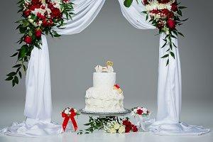 cake with bone for dog wedding