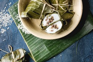 Rice piramidal dumplings