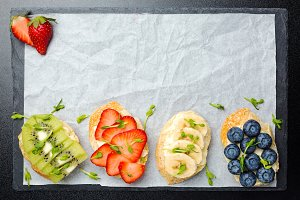 Sandwiches with cream cheese, fruits