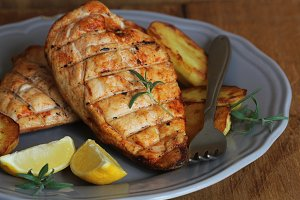 Grilled chicken breast with fried po