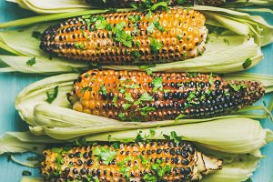 Grilled sweet corn with pesto
