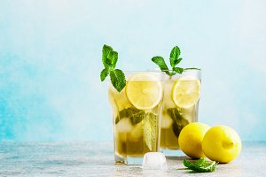 Traditional iced tea with lemon and