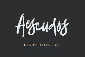 Aescudos - Handwritten Font
