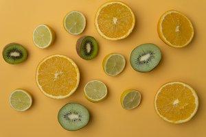Orangel, limon, kiwi, vitamin C