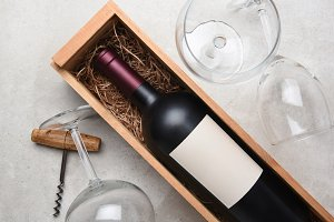 Cabernet wood box With Glass cork