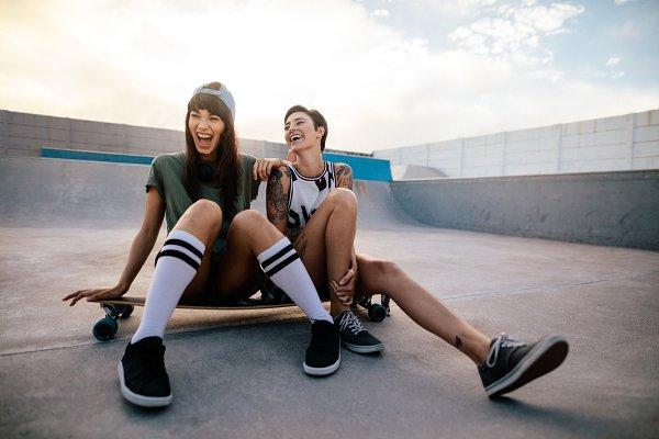 Female skaters friends hangout