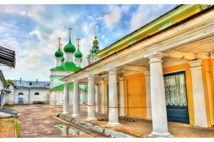 Gostiny Dvor, provincial Neoclassical trading arcades in Kostroma, Russia