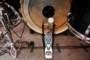 Drum set and drum rack