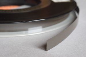 magnetic tape reel