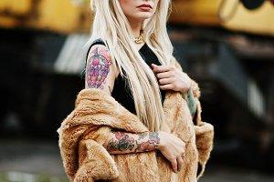 tattoo blonde girl on