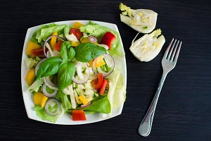Fresh vegetable salad with fennel
