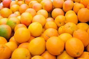 Pile of fresh oranges