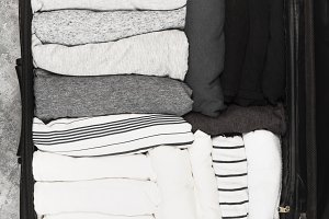 Packing of monochrome clothes