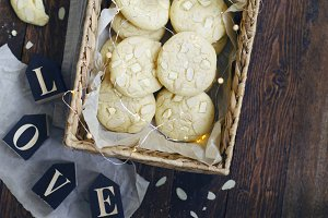 White Chocolate and Almond Cookies
