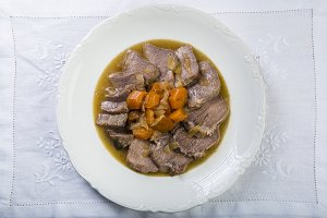Stewed pork tongue Spanish style