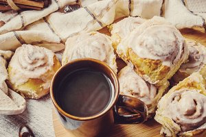 Cinnabon cinnamon and cream for tea.