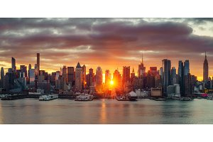 Bright sunrise over Manhattan