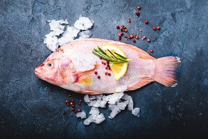 Raw fish with seasonings