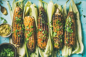 Grilled sweet corn with spices