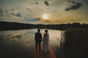 Wedding couple in the sunset