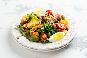 Delicious summer nicoise salad with tuna