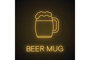 Beer mug neon light icon