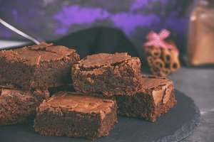 chocolate pieces of brownie