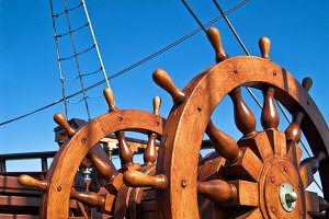 Steering wheel of sailing ship