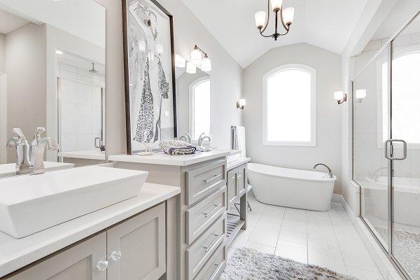 Beautiful Bright Dream Bathroom