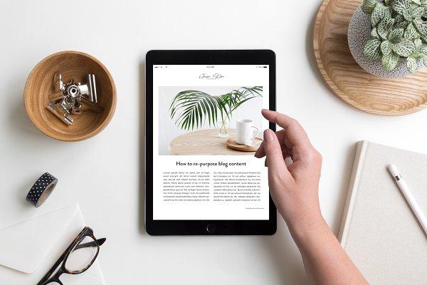 iPad Lifestyle Flat Lay Photo Mocku…