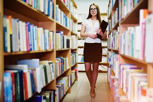 girl at library