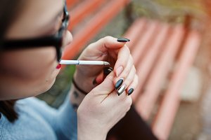 nicotine addiction by teenagers