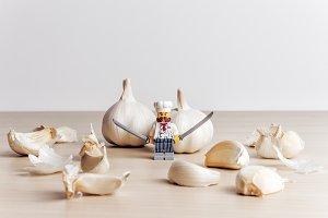 Garlic peeling process