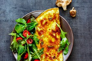 Mushroom omelette with salad