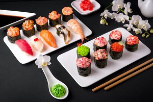 Gunkan and nigiri sushi set